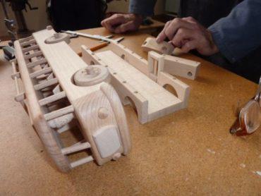Drevené darčeky a hračky - drevený autobus