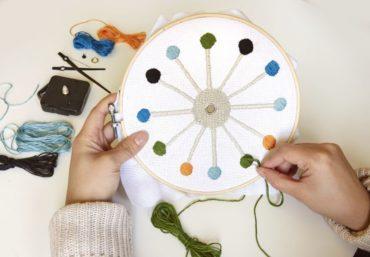 DIY vyšívané nástenné hodiny   detské vyšívanie   stavebnica