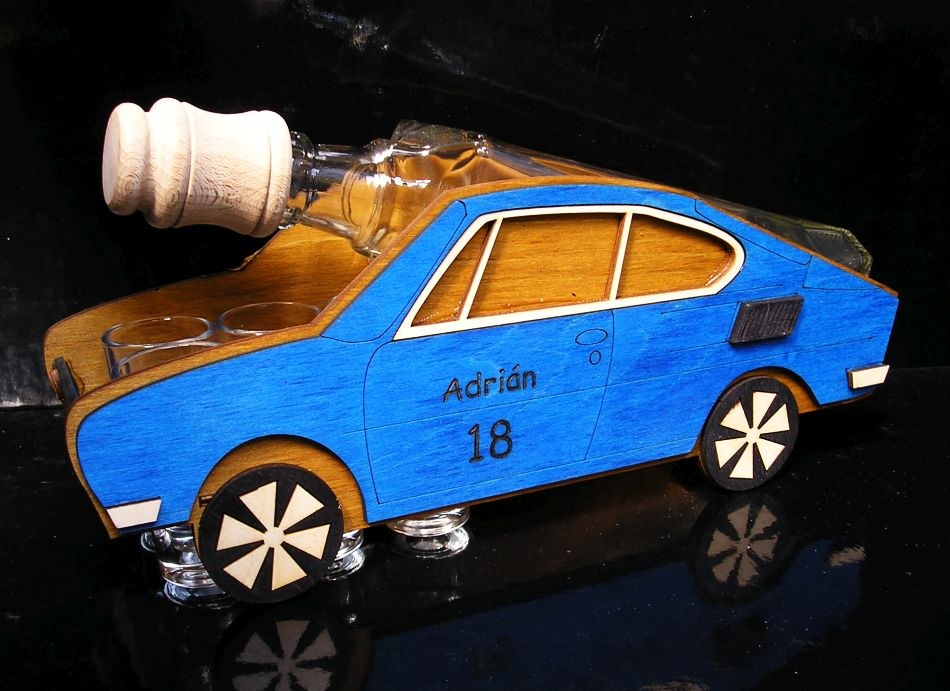 Darček fľaša na alkohol modrá Škoda 110 R, erko,