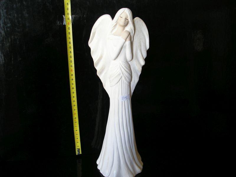 Biely anjel, anjelíček ochranca zo sadry, dekorácie, soška