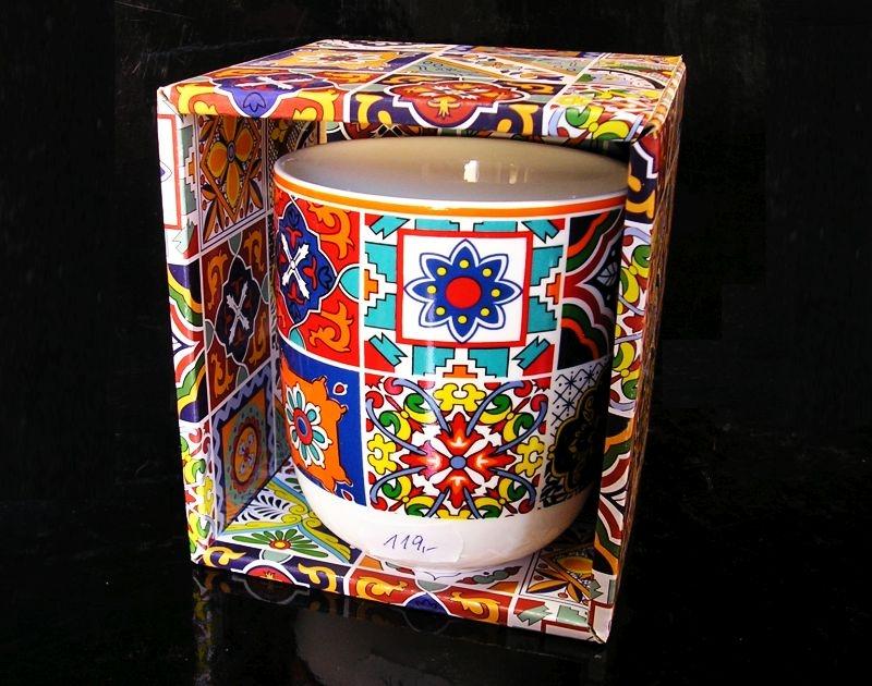 Dekoračne farebný hrnček so vzorom, darček