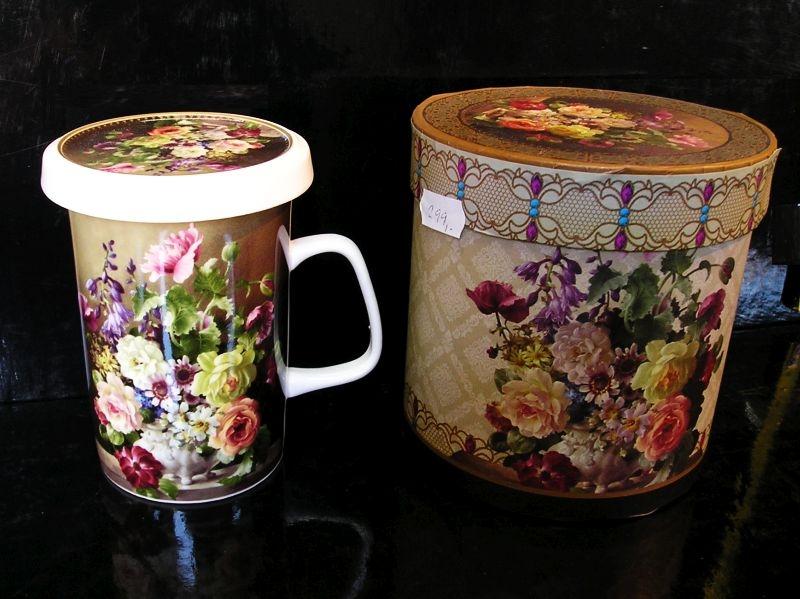 Hrnček na čaj so sitkom, motív ruže, kvety