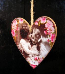 Srdce z lásky, červená bytová dekorácie, darček
