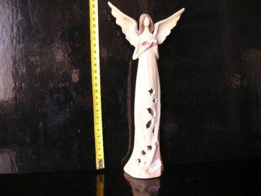 Svietiaci anjel s knihou, bibliou, soška dekorácie
