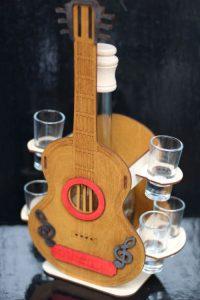 Darček pre gitaristu, darčeková gitara darček, darčekový kôš