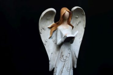 Anjel s knihou, krídla, soška dekoráci
