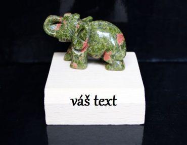 Unakit slon minerálny kameň na podstave ako darček