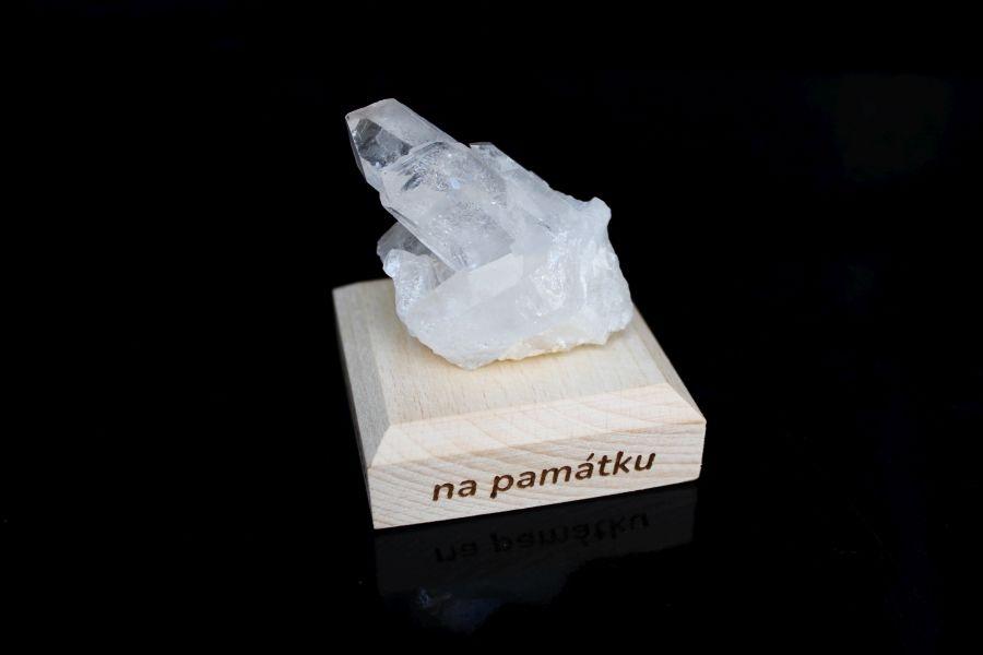 Kristal-kamen-mineral-darcek-na-pamiatku