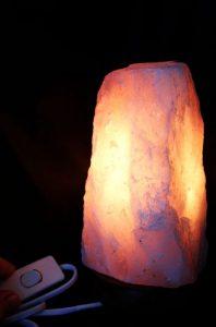 Lampa elektrický. svietnik ruženín minerál