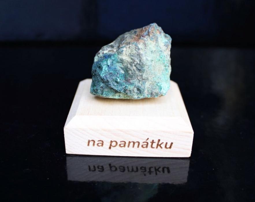 darcek-pre-stastie-liecivy-kamen-malachit