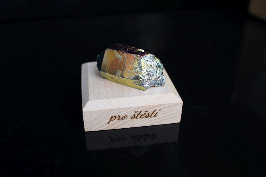 kristal-duhova-aura-darcek-kamen
