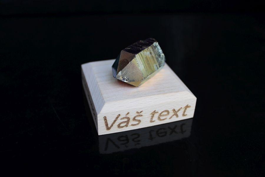 mineral-kristal-duhova-aura-darcek