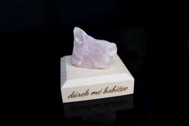 Ruženín kamene pre stastie minerály darčeky z ruženínu